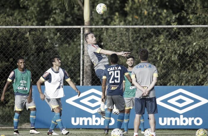 Após derrota diante do São Paulo, Cruzeiro se reapresenta visando duelo contra Atlético-MG