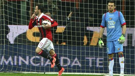 Milan vence Catania e recupera a terceira colocação