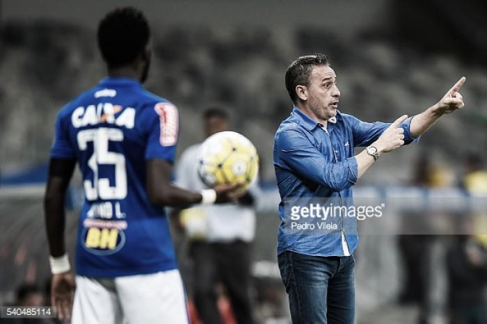 Paulo Bento despedido do Cruzeiro