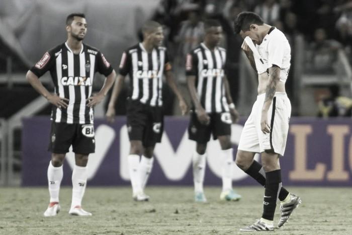 Após falha na derrota para o Atlético-MG, Pedro Henrique deixa o campo aos prantos