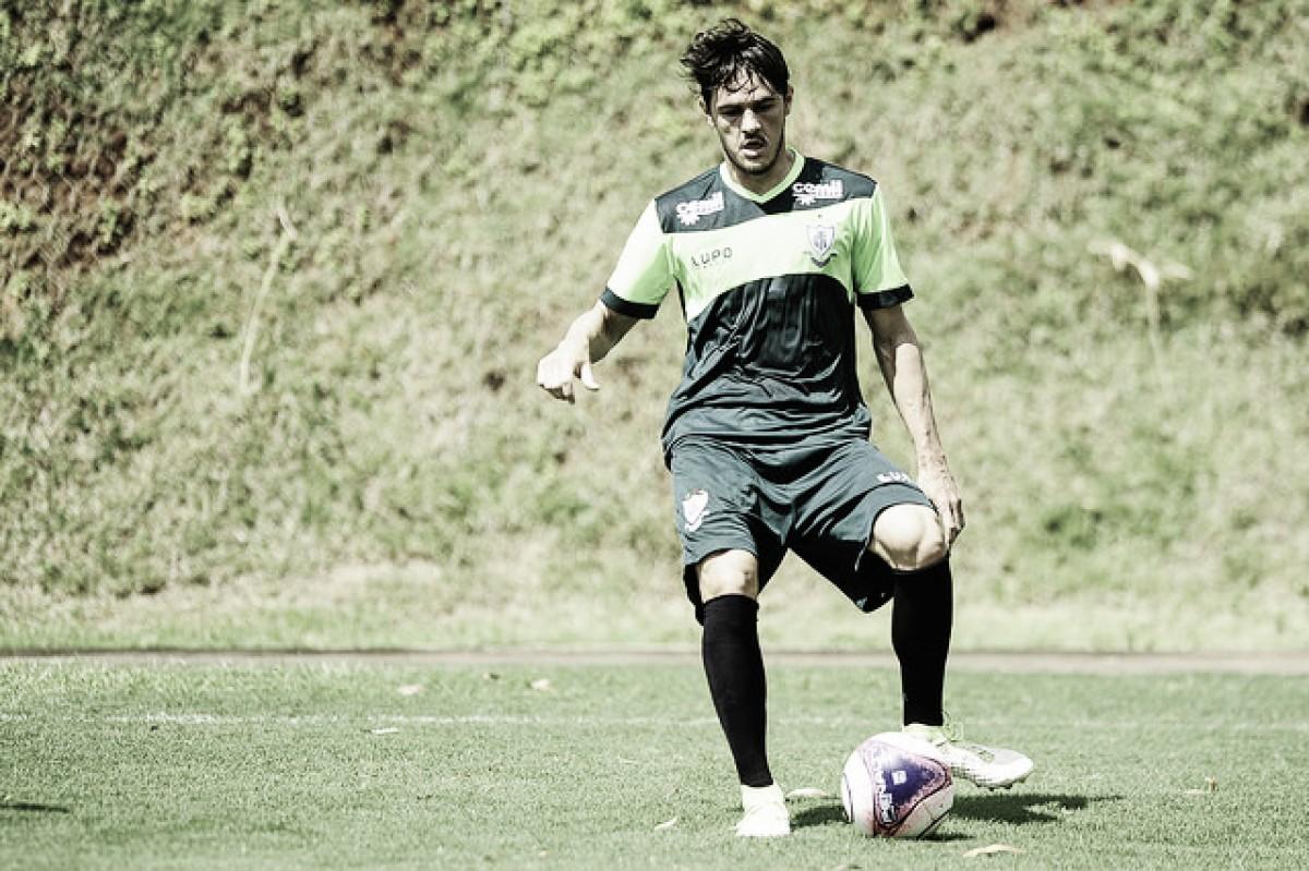 América-MG renova contrato de zagueiro Lima até o fim de 2018