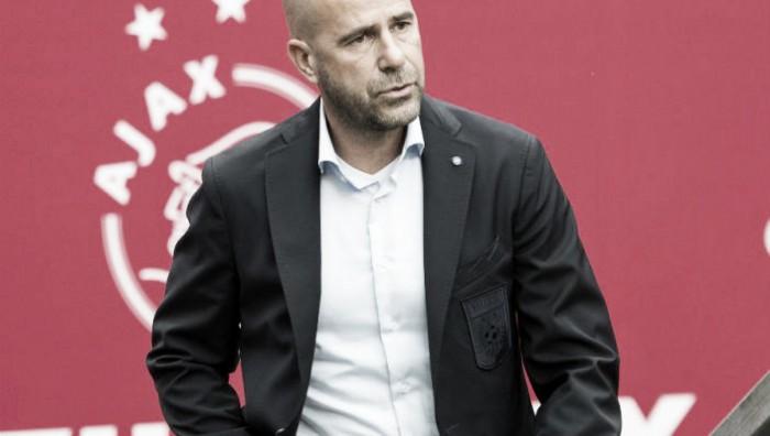 Peter Bosz será el sustituto de Frank de Boer al frente del Ajax