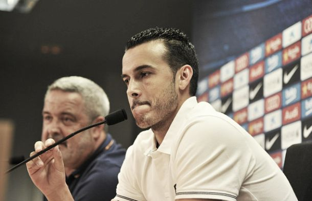Pedro unhappy with treatment of former-teammates by Manchester United and Louis van Gaal