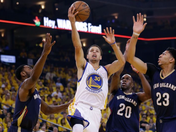 New Orleans Pelicans - Golden State Warriors Live Score in 2015 NBA Playoffs Game 2 (87-97)
