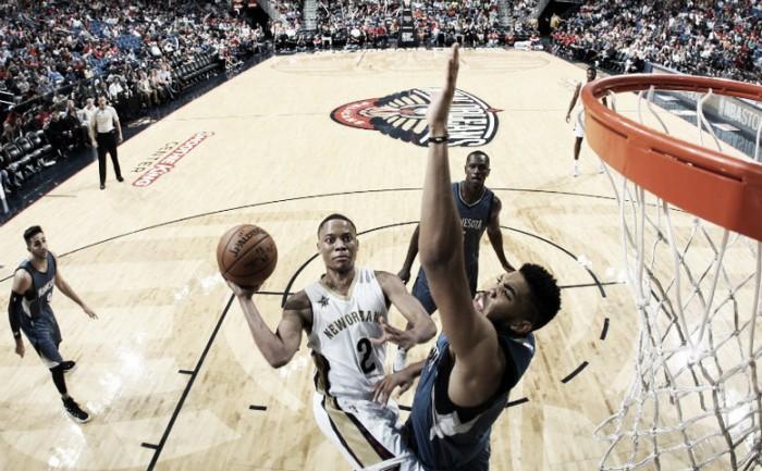 Davis lleva a la victoria a los Pelicans