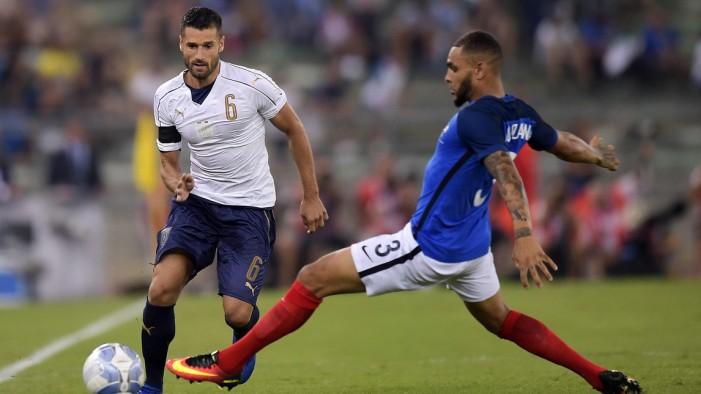 Italia a due facce: la Francia passa 3-1 al San Nicola