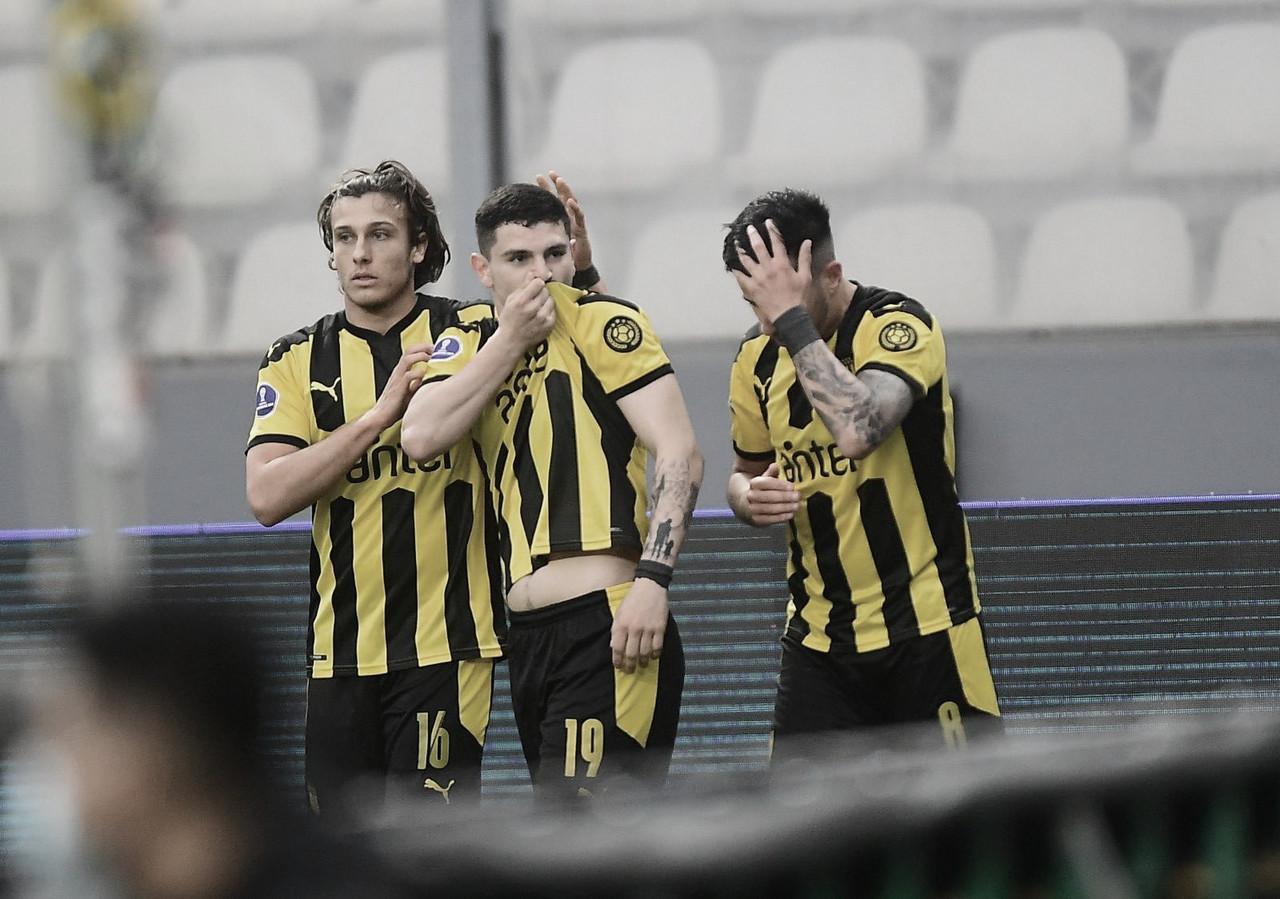 """Técnico do Peñarol cita """"fome de vitória"""" diante do Sporting Cristal que deixa time perto da semifinal na Sul-Americana"""