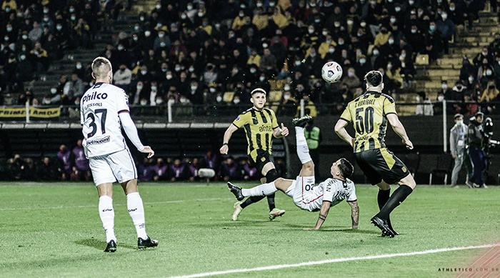 Gols e melhores momentos de Athletico x Peñarol (2-0)