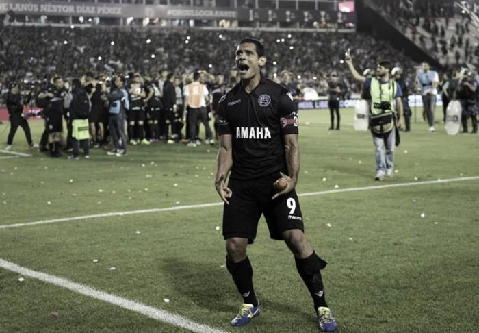 A trajetória de José Sand, centroavante do Lanús finalista da Copa Libertadores da América