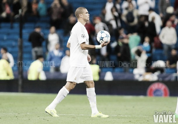 Pepe celebra su partido 200 en Liga BBVA con victoria