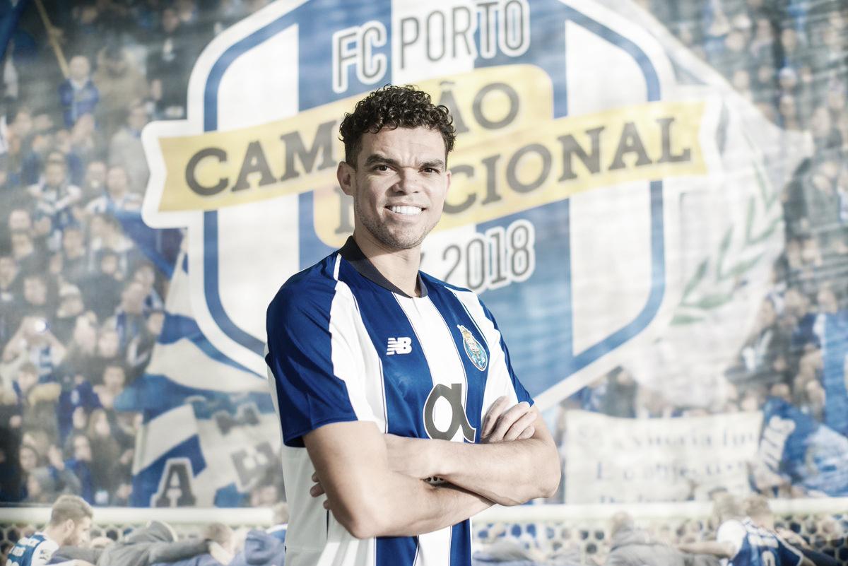 Porto anuncia a contratação do zagueiro Pepe