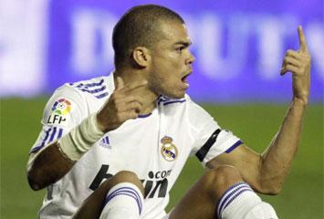 Pepe permanece la noche en observación por el golpe con Casillas