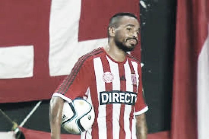 Alvaro Pereira: ''Quiero jugar en boca''