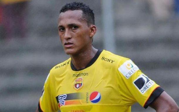 Perlaza sancionado por 2 meses y 1 partido