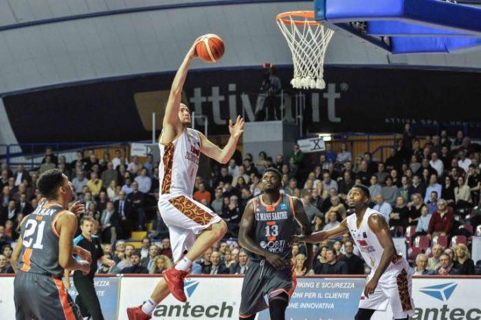 Legabasket - Lezione di basket al Taliercio: Venezia massacra Cantù (93-72)