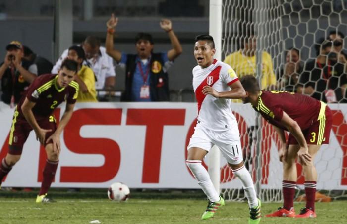2018 CONMEBOL World Cup Qualifying: Peru's Raúl Ruidíaz Header Ties It 2-2 In Stoppage Time Against Venezuela