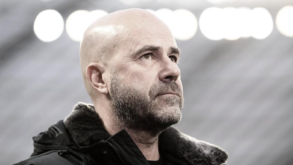 Peter Bosz dá aula com Bayer Leverkusen na Escócia