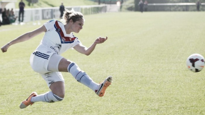 Corine Petit extends her contract with Olympique Lyonnais