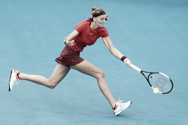 Kvitova supera a una cansada Sabalenka en su debut en Sidney