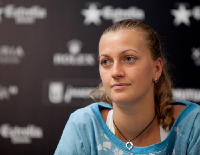 La tennista Petra Kvitova è stata aggredita e ferita con un coltello