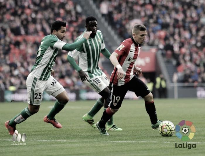 El Real Betis busca la victoria en San Mamés tras años de derrotas