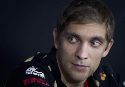 """Petrov: """"Vettel no debería de haber enseñado el dedo"""""""