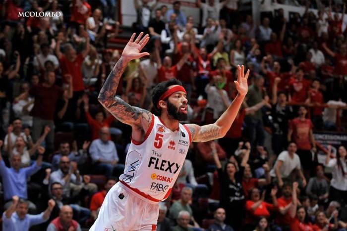 Legabasket Serie A - La Reyer fallisce il primo matchpoint: gara-3 è di Pistoia (89-75)