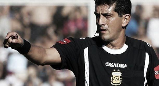 Banfield - Colón: sedefinió el árbitro