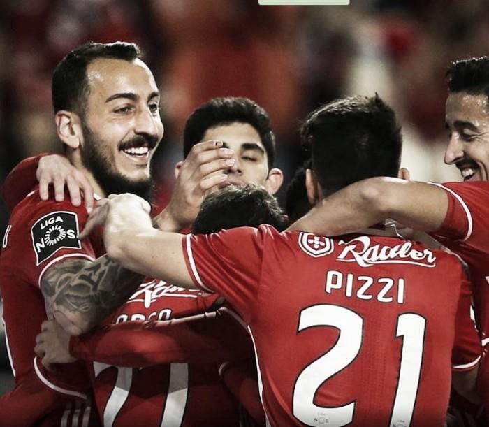 Benfica x Rio Ave: De férias no Topo