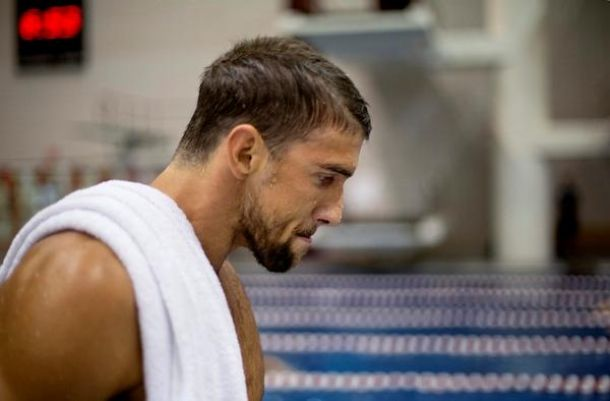 Michael Phelps, seis meses castigado