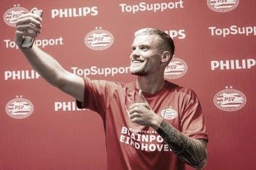 Augsburg acerta venda do lateral alemão Phillip Max para o PSV Eindhoven