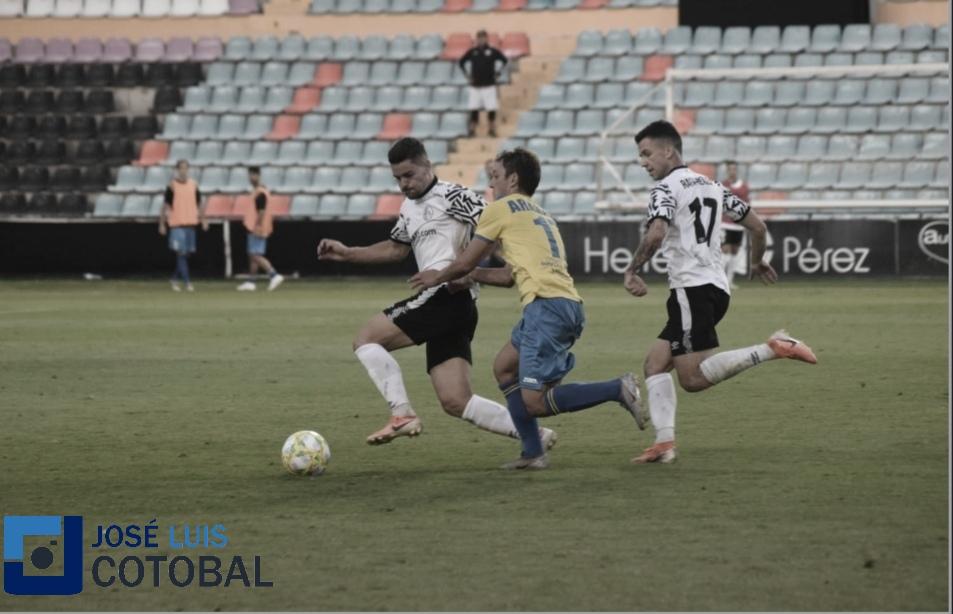 Jehu Chiapas impide la victoria del Salamanca en el último minuto