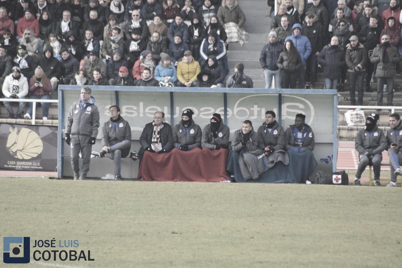 """Fernando Vázquez: """"He visto que falta un poco de forma en los jugadores"""""""