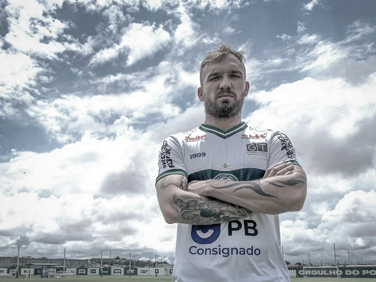 Willian Farias mira crescimento no Coritiba para boa disputa da Série B