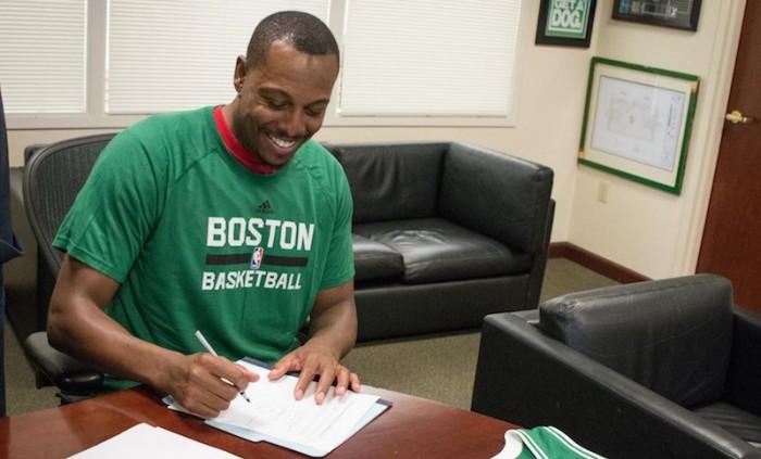 NBA - Boston firma Paul Pierce. Si ritirerà da 'Celtic'