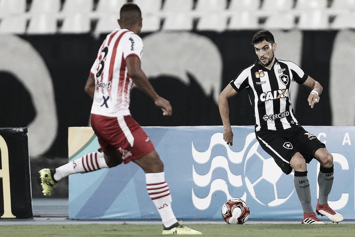 """Pimpão decide e dedica gol da vitória do Botafogo à filha que está para nascer: """"Fico muito feliz"""""""