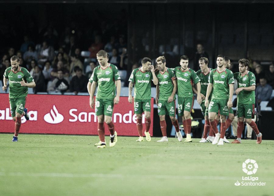 El Alavés vence en Vigo por primera vez en su historia