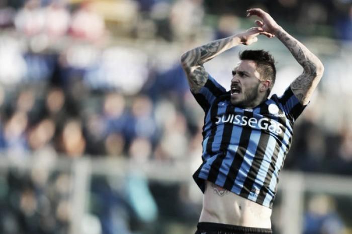 Pinilla-Gomez, la Dea inguaia il Milan (2-1)