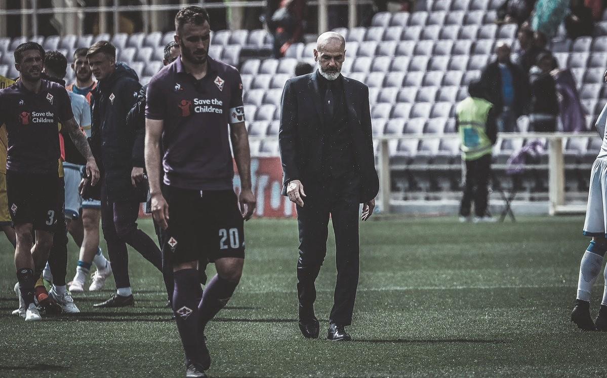 Um dia após ter sua permanência bancada pela diretoria, Stefano Pioli pede demissão da Fiorentina