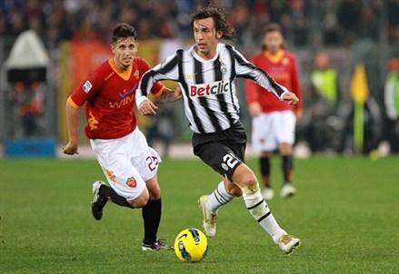 Lo Juventus Stadium sfida Zeman, con Pirlo al suo fianco