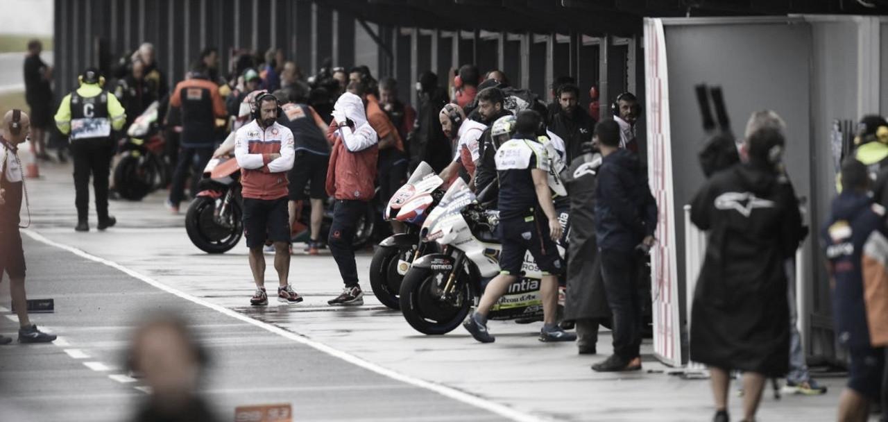 Audiencias con pilotos en Jerez delante de los Comisarios de la FIM
