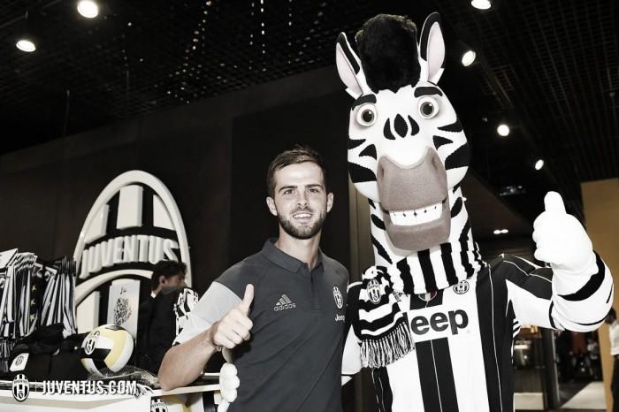 "Pjanic visa primeira temporada ambiciosa pela Juventus: ""Quero conquistar títulos"""
