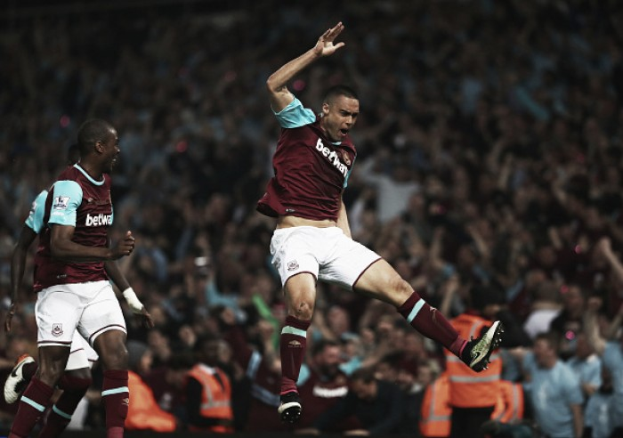Na despedida do Boleyn Ground, West Ham derrota United em partida de cinco gols