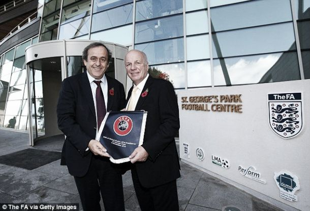 El fútbol inglés apoya a Michael Platini