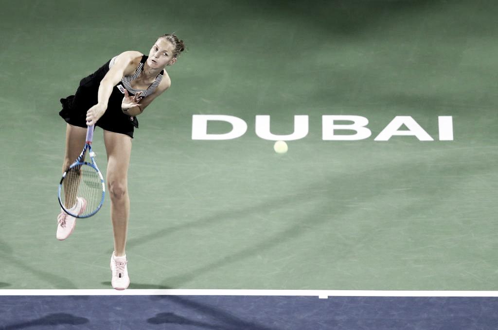 Pliskova se enrola, mas passa por Cibulkova no fechamento da rodada em Dubai