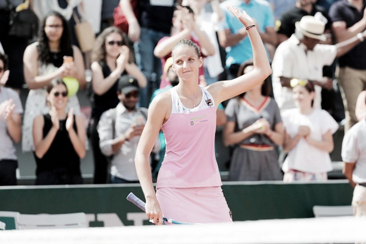 Karolina Pliskova vence compatriota Lucie Safarova e segue em Roland Garros
