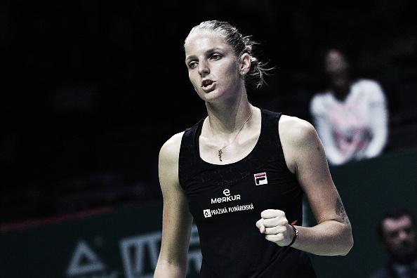Pliskova estreia no WTA Finals com vitória convincente diante de Wozniacki