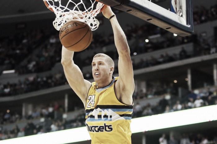 NBA - Mason Plumlee rinnova coi Denver Nuggets