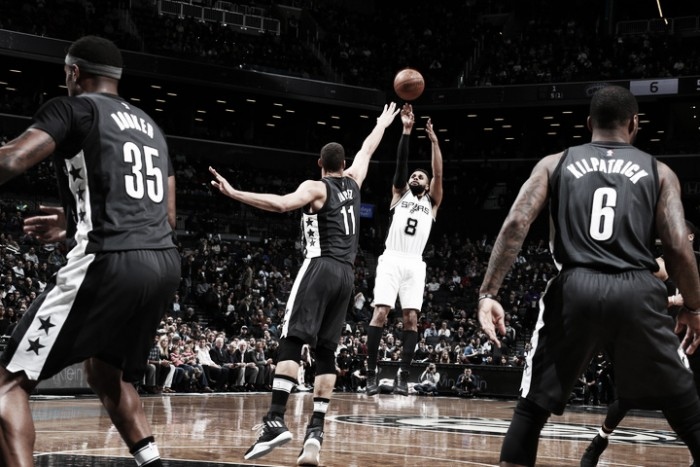 Nba, Spurs travolgenti a Brooklyn. I Clippers vincono ad Atlanta