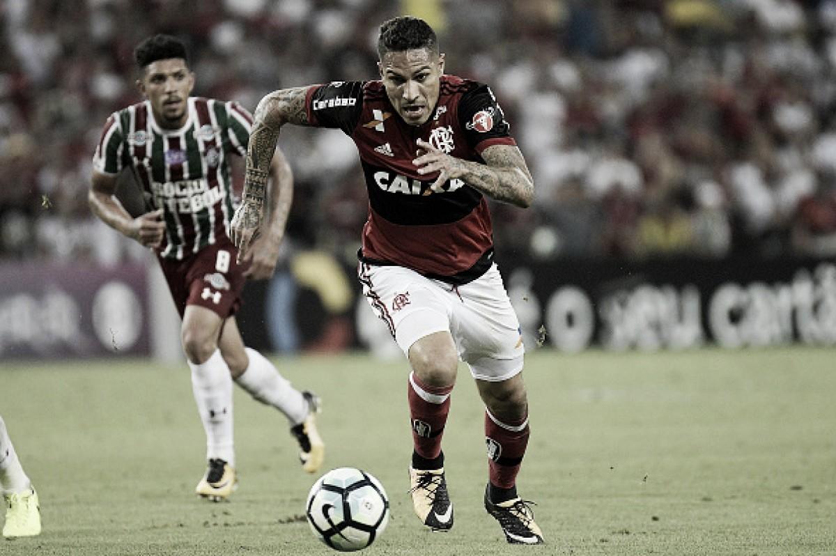 Após suspensão, Guerrero negocia renovação de contrato com Flamengo